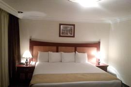 70255_005_Guestroom
