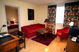 88098_004_Guestroom