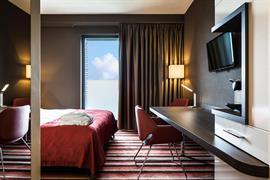 92737_006_Guestroom