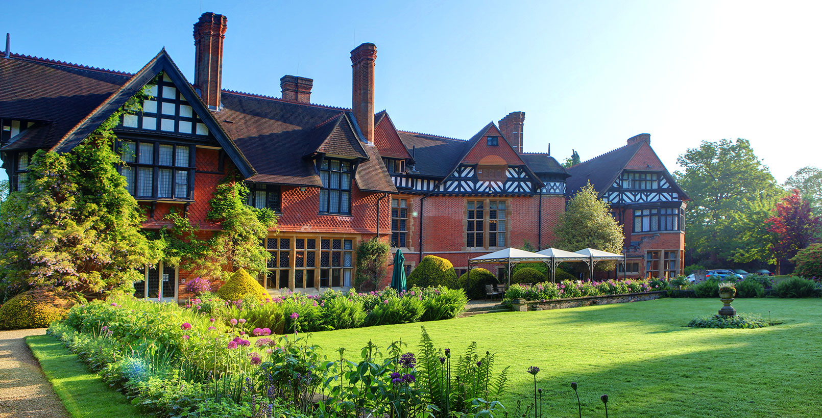 The Perfect Venue for Every Occasion in Sheffield A luxury conference venue, hotel and spa in Sheffield. Kenwood Hall Hotel & Spa, is just one mile from Sheffield city centre and easily accessible from the M1.