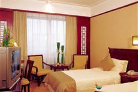 78605_002_Guestroom