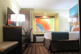 39137_005_Guestroom