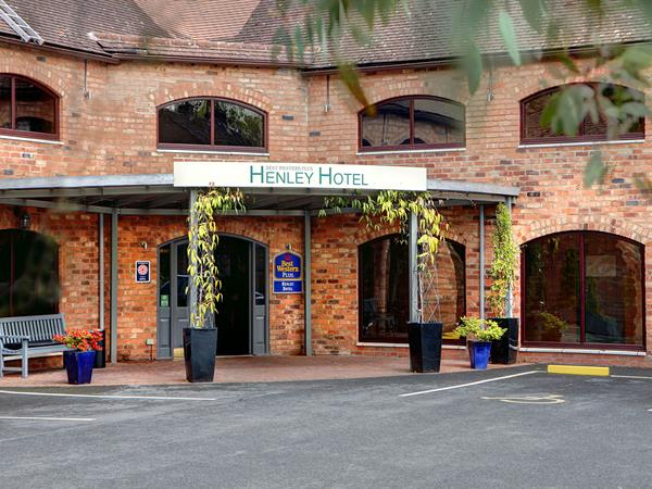 henley-hotel-grounds-and-hotel-24-83904