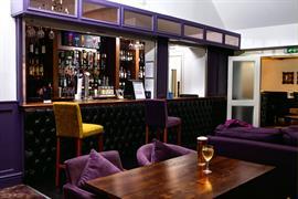 henley-hotel-dining-39-83904