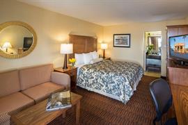 05280_043_Guestroom