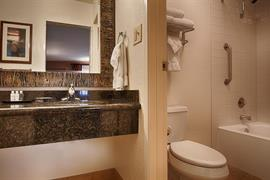 05280_044_Guestroom