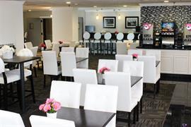 47138_003_Restaurant