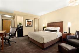 24054_006_Guestroom