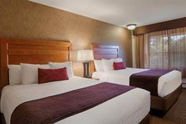 24054_007_Guestroom