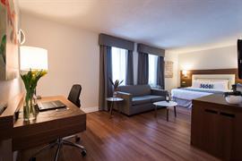 67023_003_Guestroom