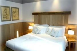 98304_003_Guestroom