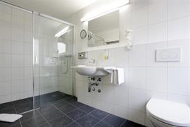 94208_006_Guestroom