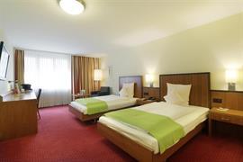 94208_007_Guestroom