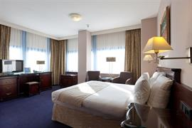 92703_000_Guestroom