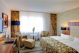 95456_006_Guestroom