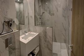 93831_006_Guestroom
