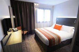 93775_002_Guestroom