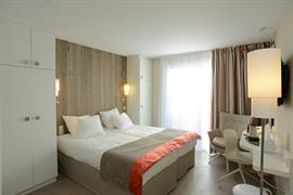 93798_002_Guestroom