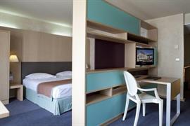 93385_004_Guestroom