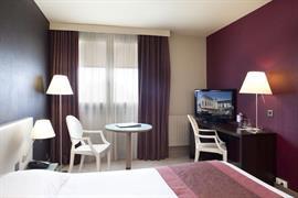 93385_005_Guestroom