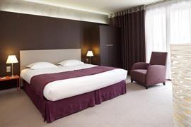 93385_006_Guestroom