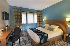 93683_002_Guestroom