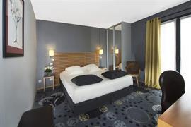 93683_006_Guestroom