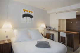 93826_003_Guestroom