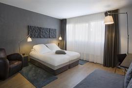93826_004_Guestroom