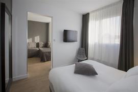 93826_006_Guestroom