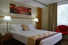 97456_002_Guestroom