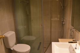 97456_005_Guestroom