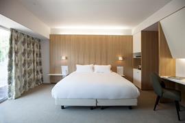 93820_005_Guestroom