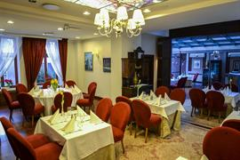 81036_001_Restaurant