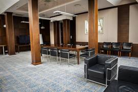 81036_005_Meetingroom