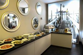 81036_006_Restaurant
