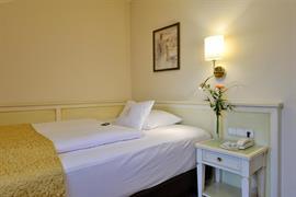 95304_001_Guestroom