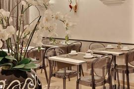 98105_002_Restaurant