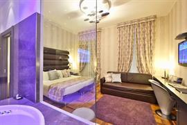 98105_005_Guestroom