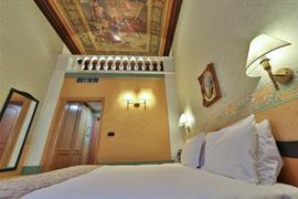 98105_006_Guestroom
