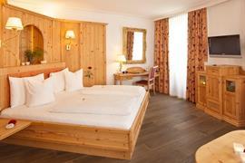 89115_002_Guestroom