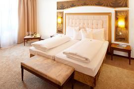89115_003_Guestroom