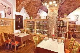89115_007_Restaurant