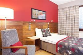 91064_004_Guestroom