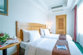 78721_007_Guestroom