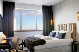 93799_006_Guestroom