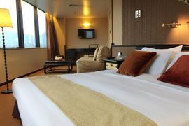 78722_006_Guestroom