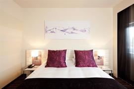 93765_005_Guestroom
