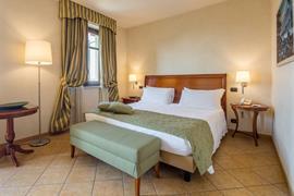 98354_001_Guestroom