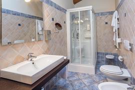 98354_003_Guestroom